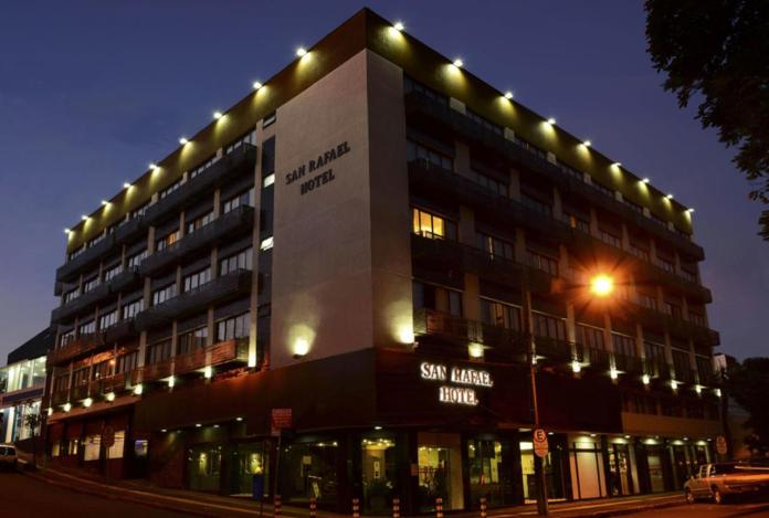 hotel to stay in inguazu falls brazil