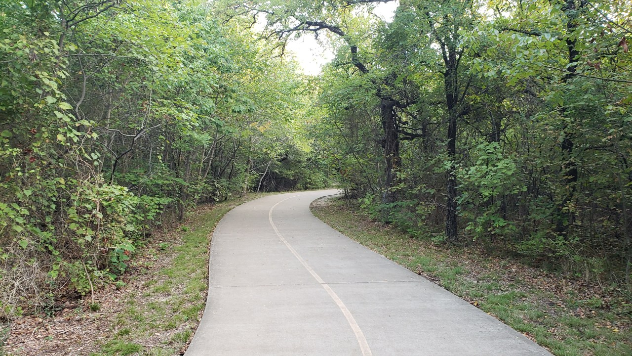 Paved trail at Arbor Hills