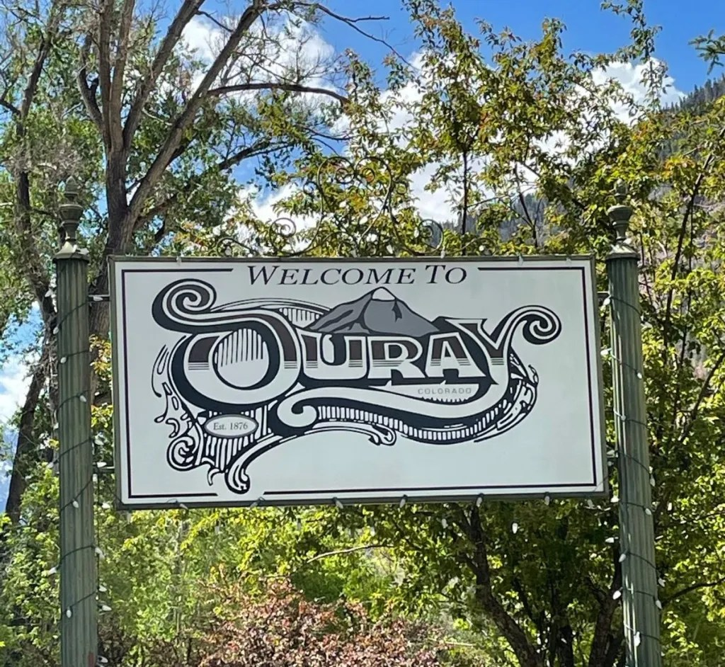 Welcome to Ouray signpost