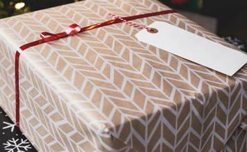Great gift ideas for someone who loves yoga. Must read!