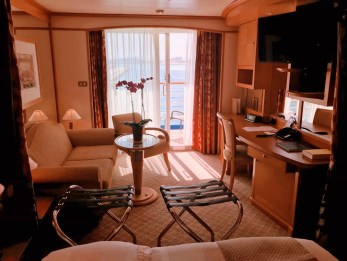 The Room SILVER WHISPER