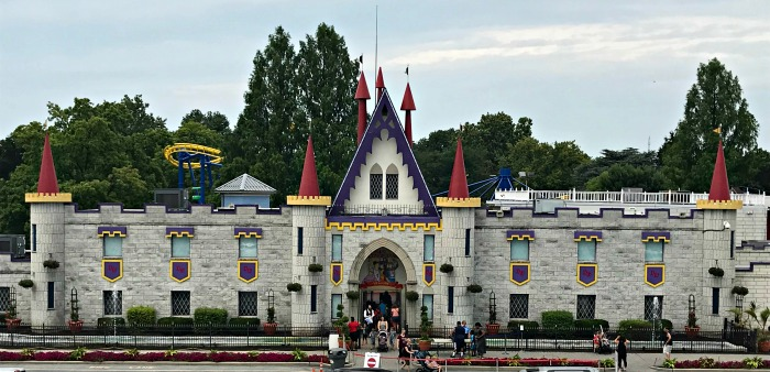 Dutch Wonderland: A Family Fun Amusement Park
