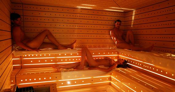 My naked sauna experience