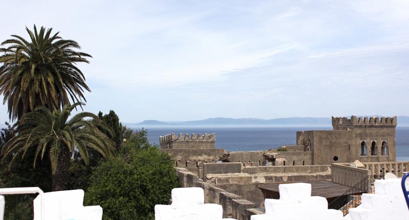 Tanca binlerce yıldır Cebelitarık Boğazı'nın ötesindeki İspanya'yı seyrediyor.