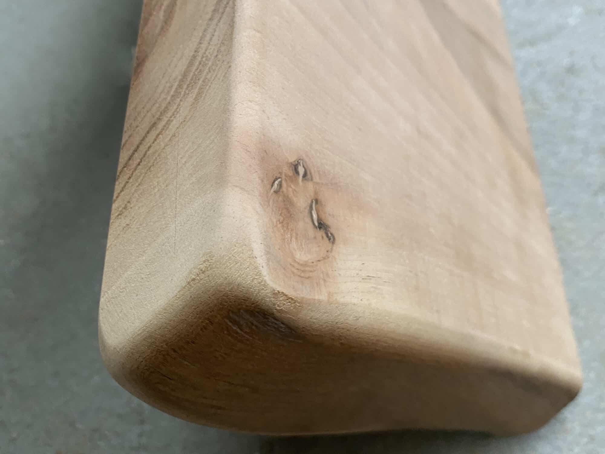 Foto van staal van walnoten hout