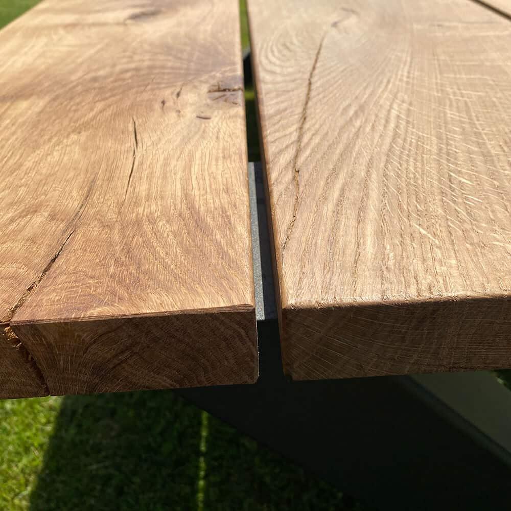 Eiken buiten tafel detail foto