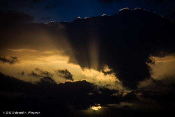 Dreigende wolken-0800-2