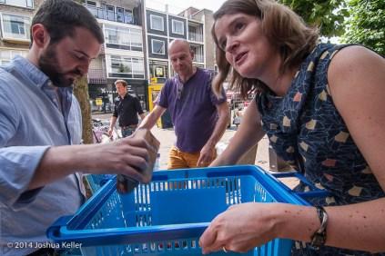 ggemeenteraad Groningen kooptin voor voedselbank 2014-joshuakeller-1304