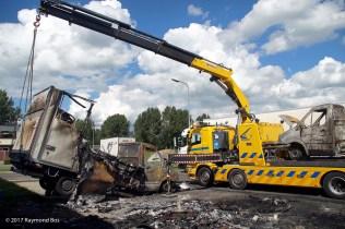 uitgebrande bestelautos-3