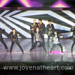 Super Junior during Sorry Sorry -- What are you 2 grinning about at the back?