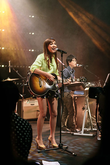 MTV Sessions: Ming Bridges (photo: MTV Asia/Aloysius Lim}