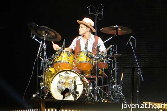 Bruno Mars @ Moonshine Jungle Tour Singapore 2014