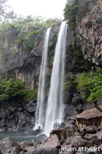 IMG_0213-20140428-jeju-island-jeongbang-waterfall