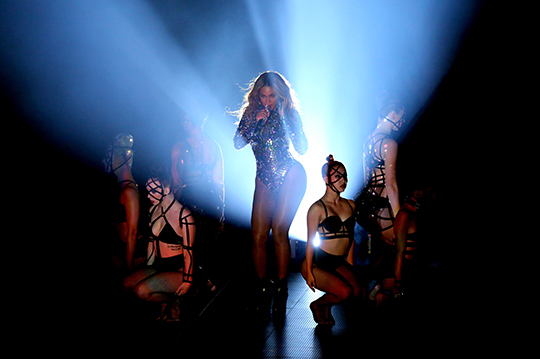 Beyoncé @ 2014 MTV VMA [pic © MTV/Getty Images]