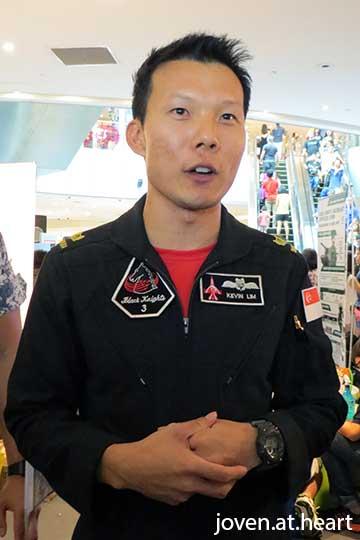 Kelvin Lim a member of the Black Knights, Singapore's elite aerial acrobatics team. #SAF50atVIVO