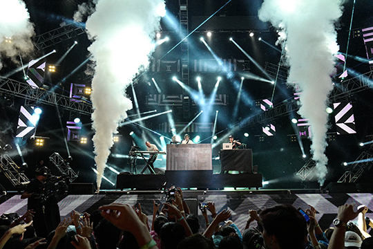 Far East Movement @ MTV Music Evolution Manila 2016 [© MTV Asia & Kristian Dowling]