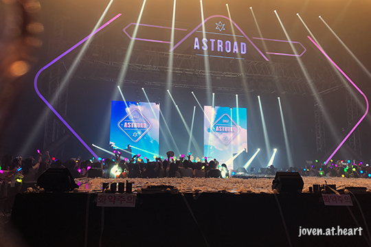 The 1st Astroad To Seoul - My view of the stage on Day 1