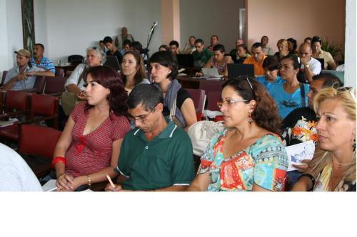 Encuentro de Blogueros cubanos seción del viernes en la tarde Mariela Castro entre los participantes