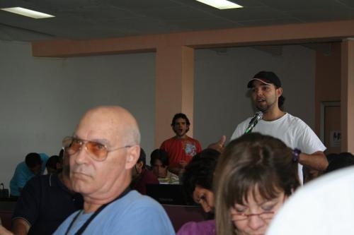 El estudiante Reynaldo A. Montalvo Vasallo además trovador de la Universidad de la Habana con el Blog Cuba la Opinión