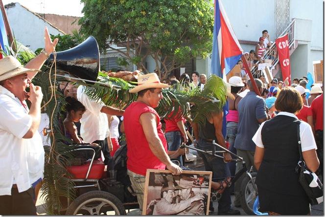 desfile trabajadores cubanos