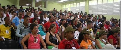jovenes_cubanos_reunidos