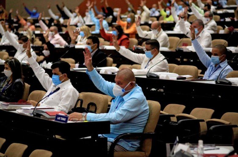 Partido - democracia- cuba