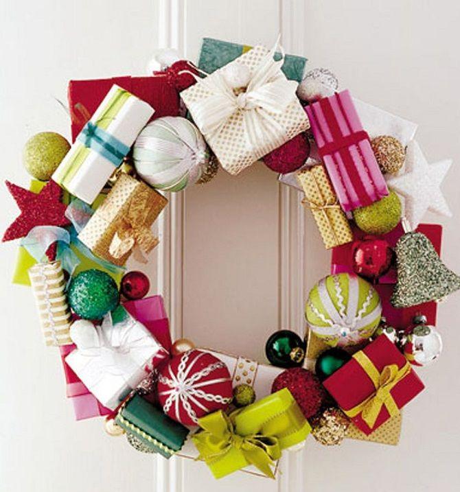 Рождестволық гүл шоқтары бар гүлдер: 5 стильді жаңа жылдық декор 2021 9