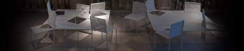 Installation MIMICRY CHAIRS par NENDO au Victoria & Albert Museum