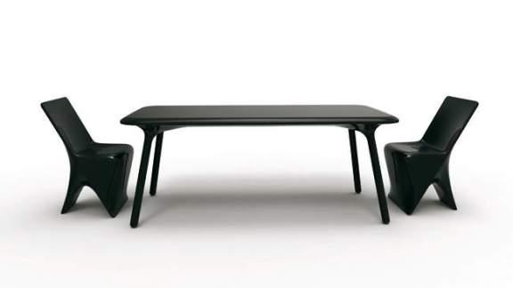 Table et Chaise SLOO par VONDOM x Karim RASHID