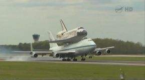 The dramatic arrival of the Discovery Space Shuttle to Dulles.