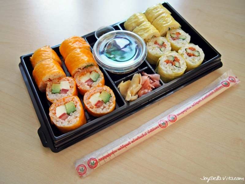 No Sushi Box 2 Vegetarian - No sushi with fried zucchini, fried carrot sticks and cream cheese - rolled in a soybean leaf (8 pieces) No Sushi with fresh tomatoes, mozzarella, tomato pesto and avocado - wrapped in a soybean leaf (8 pieces) - by Kreative Reisrollen Tettnang