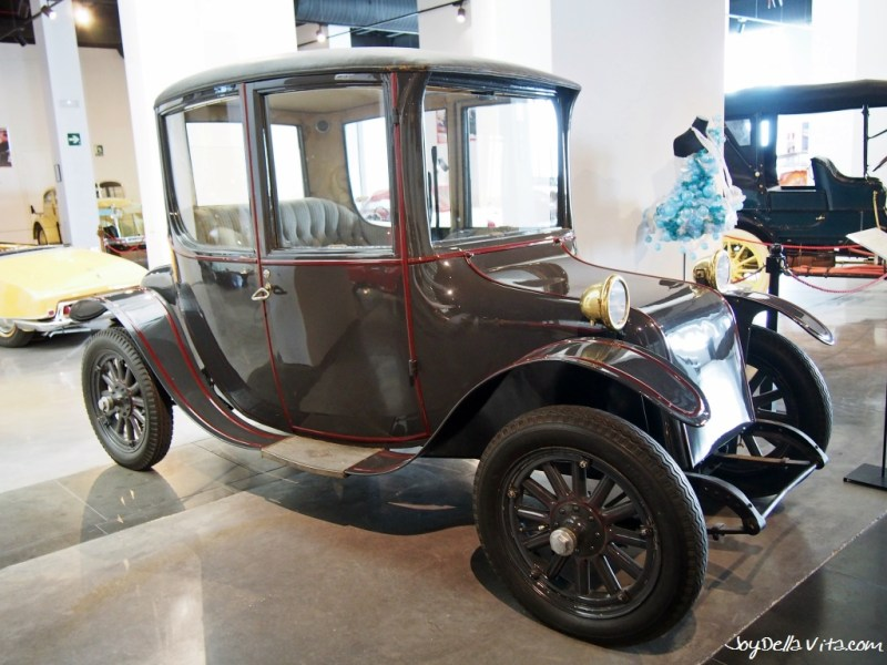 Milburn Electric Model 22 Brougham from 1916