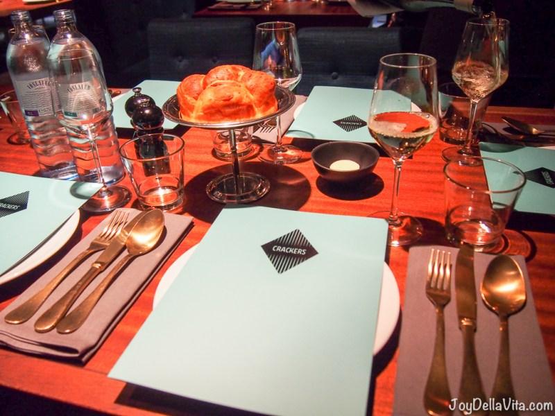 Dinner CRACKERS Berlin Restaurant Bar Friedrichstrasse Unter den Linden Food Review Blogger JoyDellaVita