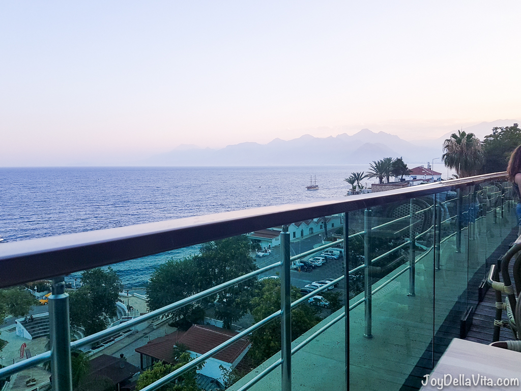 Cheap Dinner with a view in Antalya at Tophane Parkı