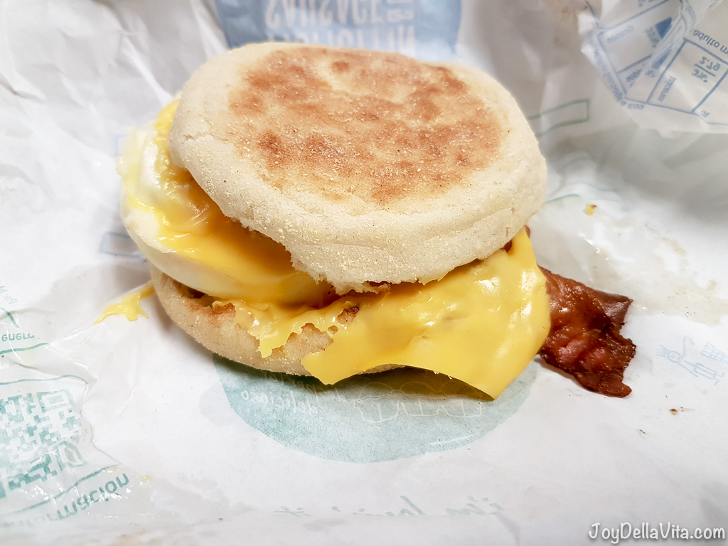 McMuffin Bacon Y Huevo / McMuffin with Bacon and Egg