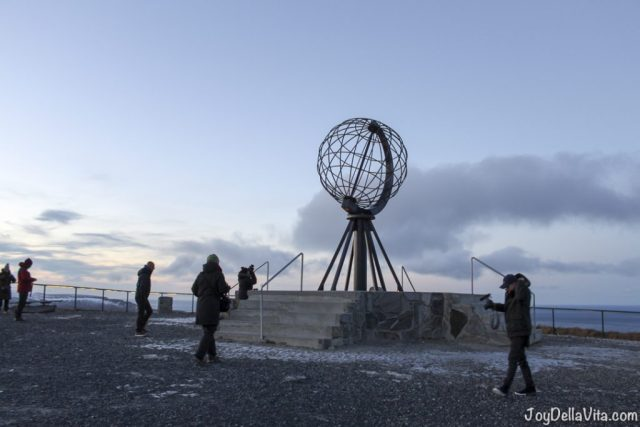 YouTuber EiQu Miller at North Cape in November by Travelblog JoyDellaVita