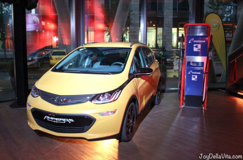 Electric Car with 500 km Range, Opel Ampera-E