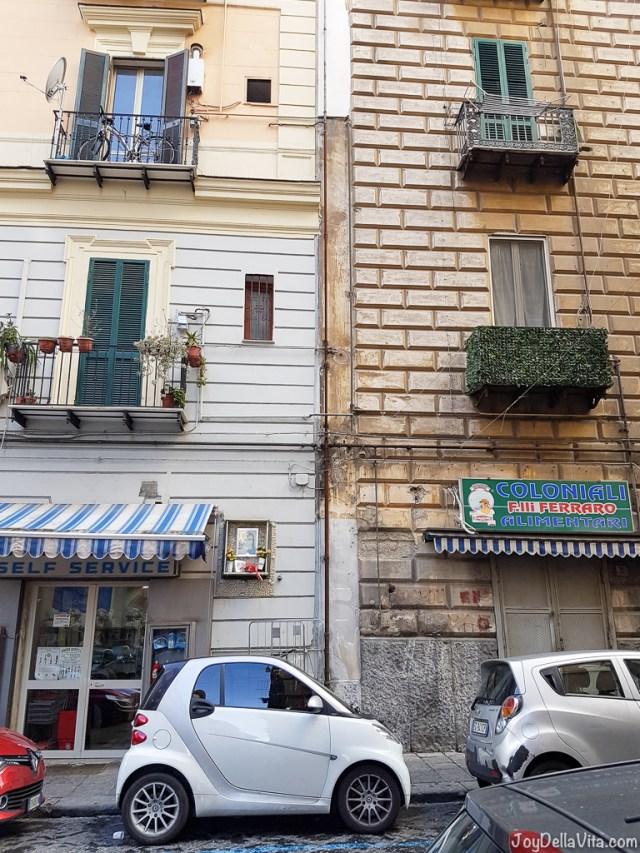 smart fortwo Naples Smartphone Sightseeing Walk JoyDellaVita