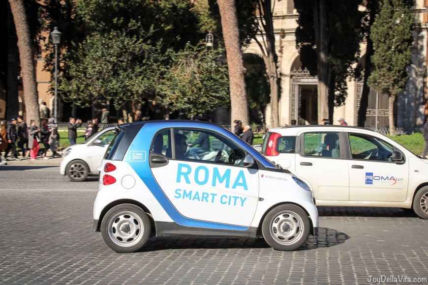 Carsharing smart fortwo in Rome Vespa small Cars Rome joyDellaVita
