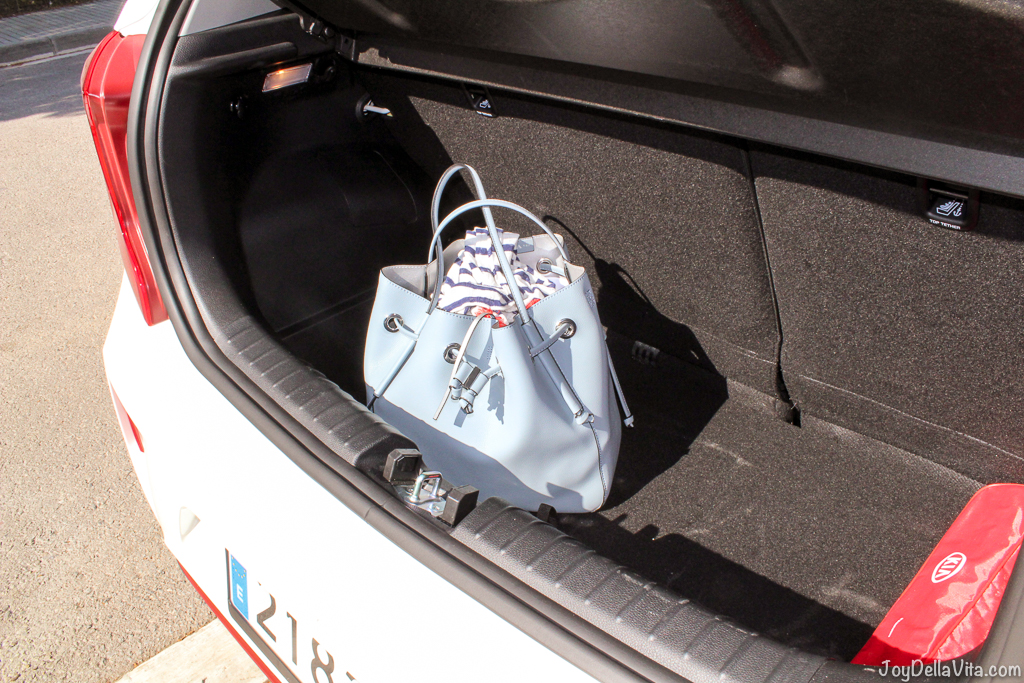 handbag in the trunk of the Kia Picanto GT-Line
