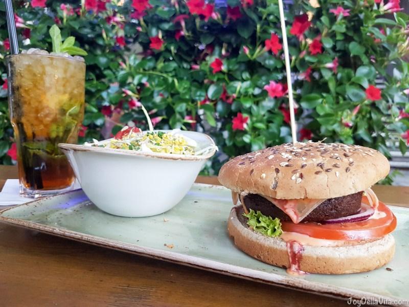 Pimms Veggie Burger Hans im Glueck Munich Goetheplatz - JoyDellaVita.com