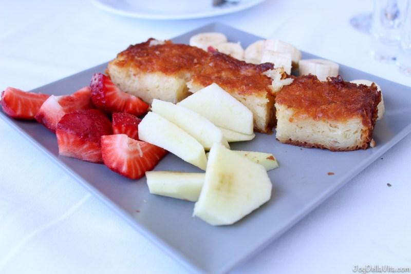 the best orange cake with fresh fruit by Restaurant Giorgos Tavern Plaka Crete -  Travelblog JoyDellaVita.com