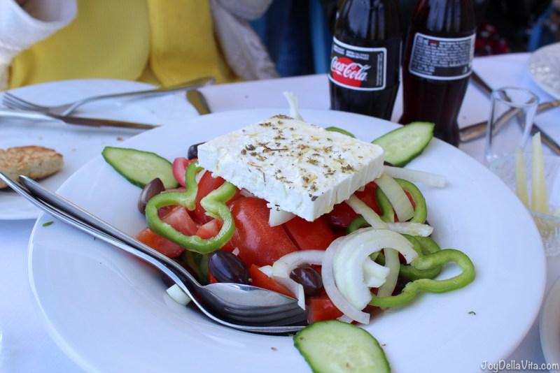 Greek Salad in Plaka, Lasithi, Crete -  Restaurant Giorgos Tavern Plaka Crete -  Travelblog JoyDellaVita.com
