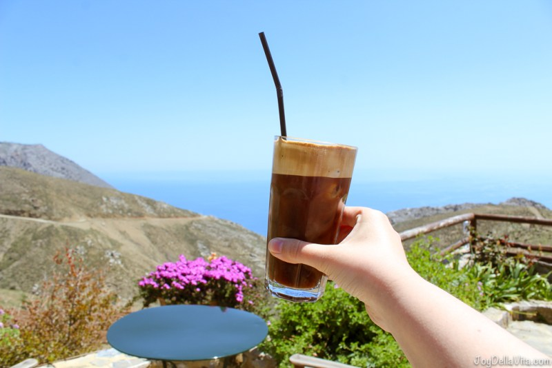 Greek Frappuccino at Thalori Traditional Village Kapetaniana Crete - Travelblog JoyDellaVita.com