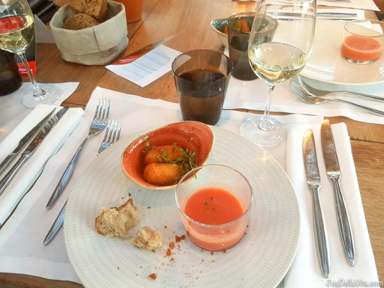 Dinner at Bestial Barcelona Restaurant right by San Sebastian beach