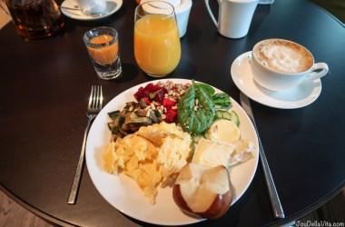 Breakfast Buffet Baden-Baden moriki Roomers Hotel