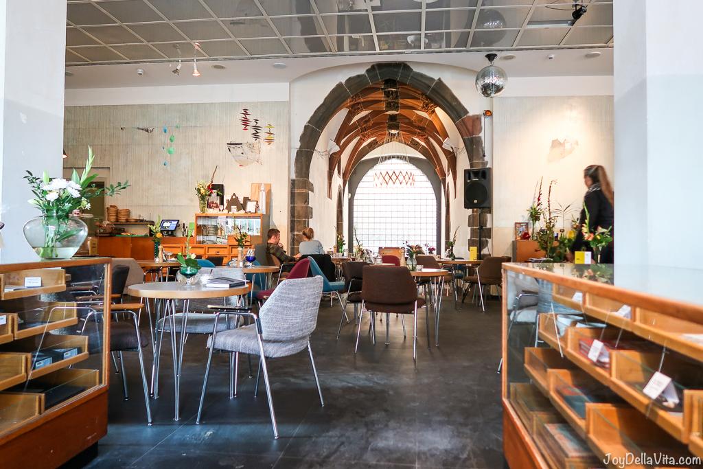 Cafébar im Kunstverein Frankfurt  Markt 44 60311 Frankfurt am Main