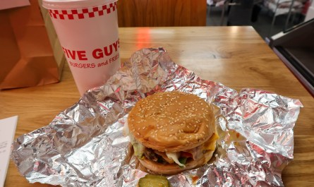 Cheese Veggie Sandwich Fromage Burger Five Guys Paris Travel Blog JoyDellaVita