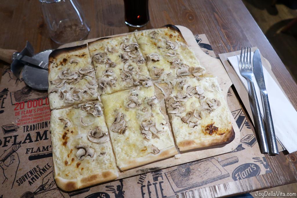 Flams Paris Alsatian tarte flambée Champignons Onions travelblog