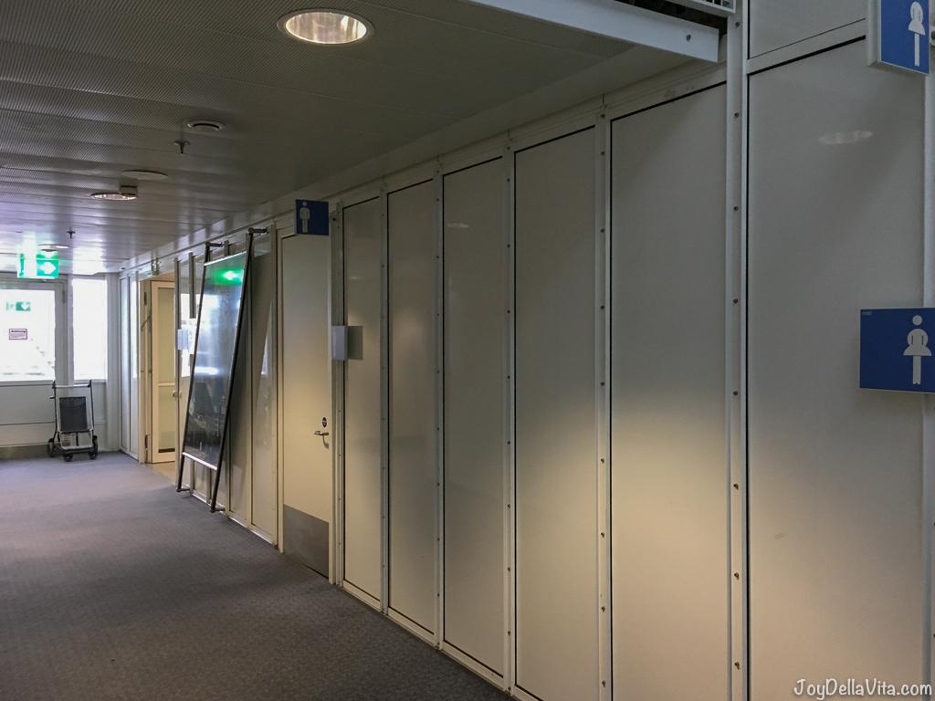 Munich Terminal 1 B Business Lounge Restroom bathroom